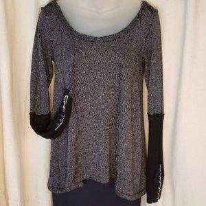 FREE PEOPLE Flowy Scoopneck Top Lace Arms SM